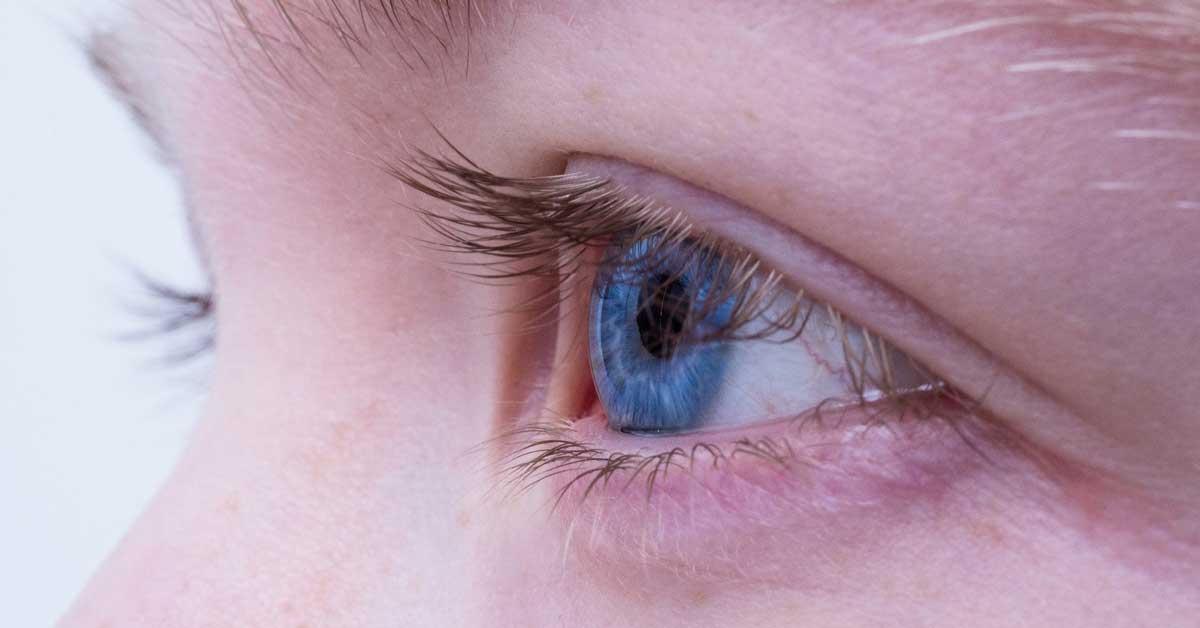 Augenlidstraffung mit Plasma Technologie